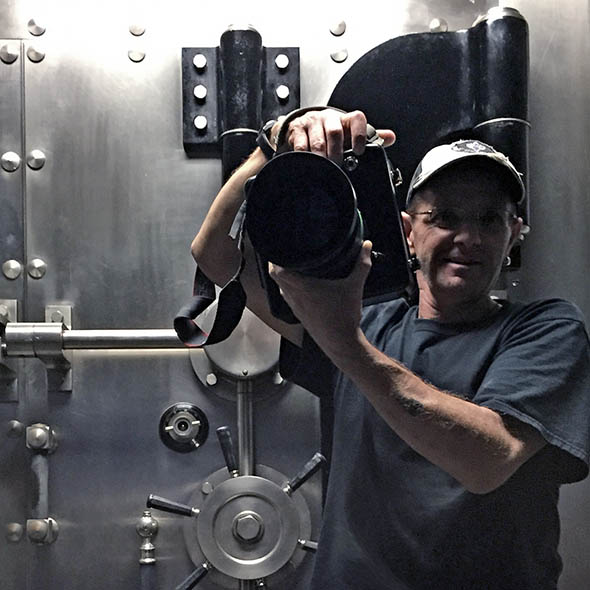 Alfonso Pompo Bresciani is an IATSE Local 600 Unit Still Photographer based in New Orleans
